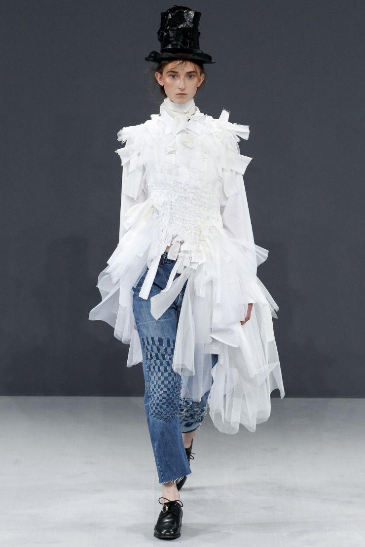 Viktor & Rolf Haute Couture FW 2016 Paris (12)