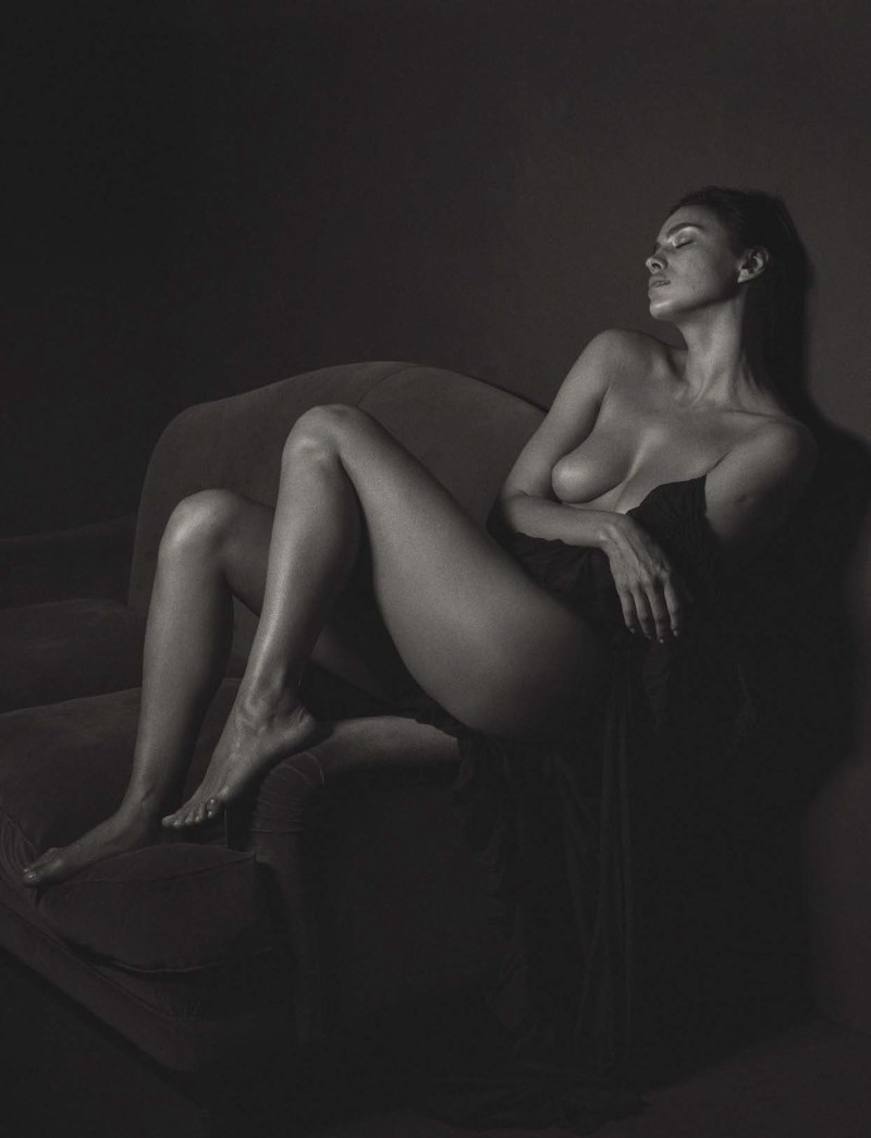 Irina Shayk by Mario Sorrenti (1)