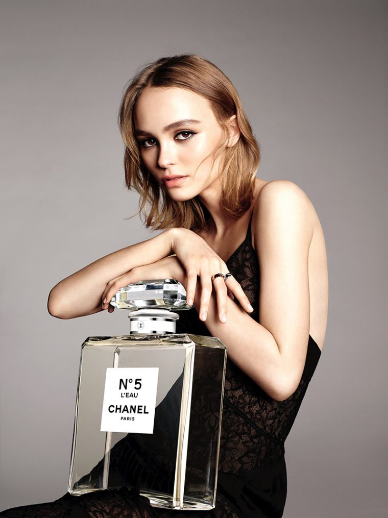 Lily-Rose-Depp-by-Karim-Sadli-for-Chanel-'No.5-L'Eau'-Fragrance-2016-Campaign-1-760x1015