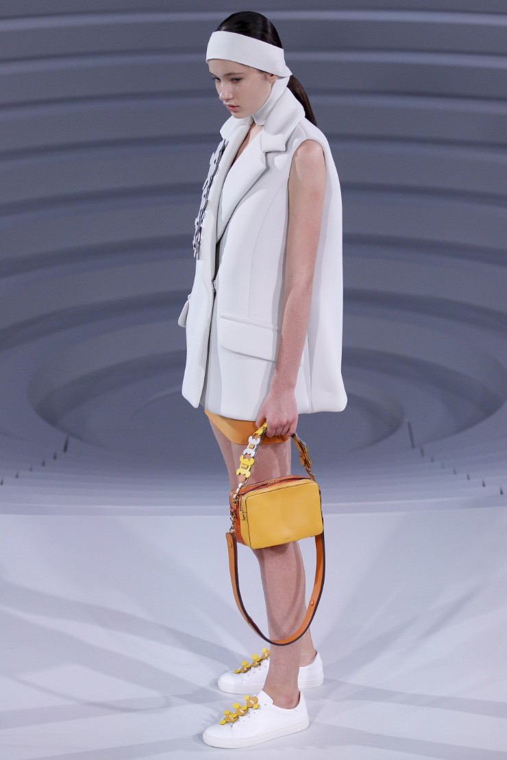 anya-hindmarch-ready-to-wear-ss-2017-lfw-3