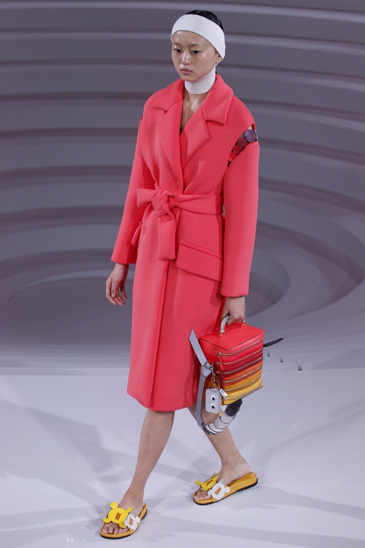 anya-hindmarch-ready-to-wear-ss-2017-lfw-5