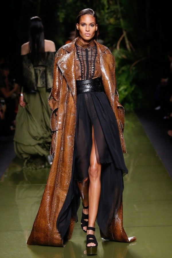 balmain-ready-to-wear-ss-2017-pfw-19
