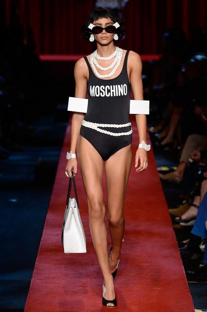 moschino-ready-to-wear-ss-2017-mfw-graveravens-19