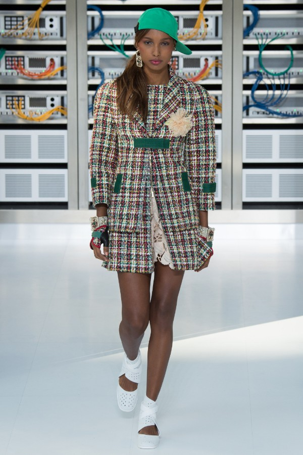 chanel-ready-to-wear-ss-2017-pfw-15