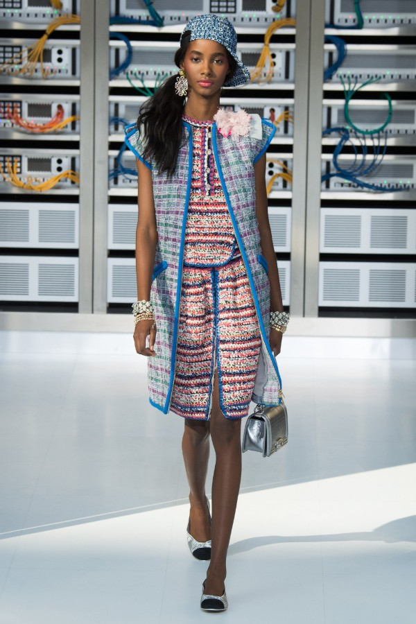 chanel-ready-to-wear-ss-2017-pfw-33