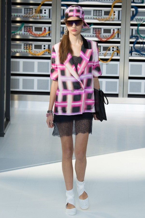 chanel-ready-to-wear-ss-2017-pfw-43
