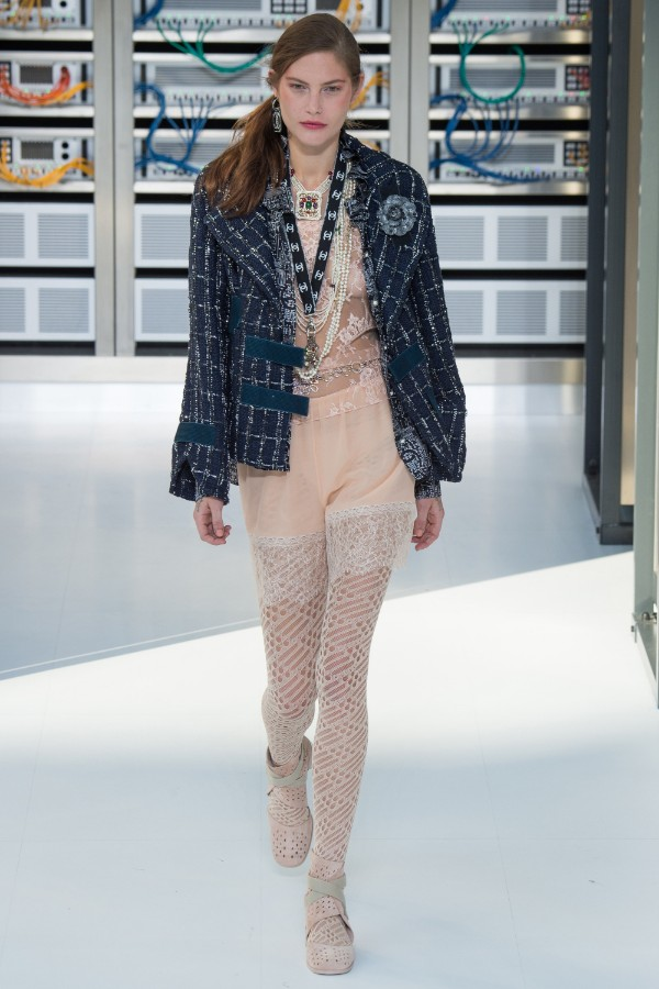 chanel-ready-to-wear-ss-2017-pfw-61