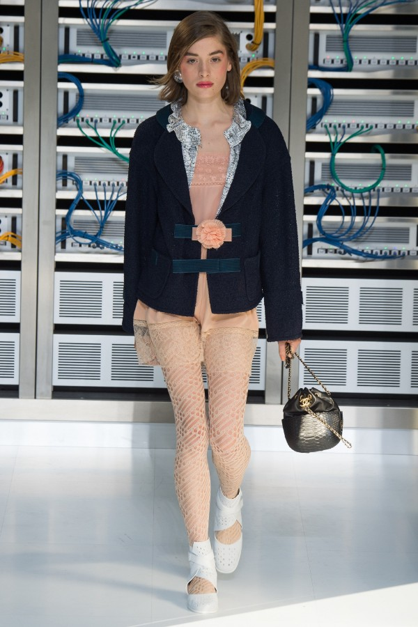 chanel-ready-to-wear-ss-2017-pfw-64