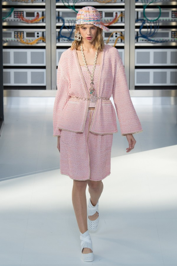 chanel-ready-to-wear-ss-2017-pfw-78