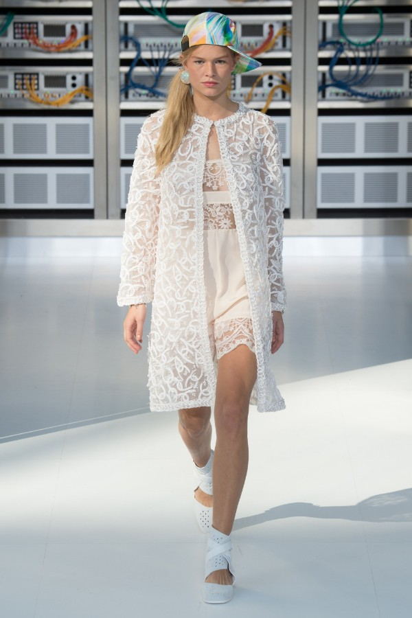 chanel-ready-to-wear-ss-2017-pfw-83