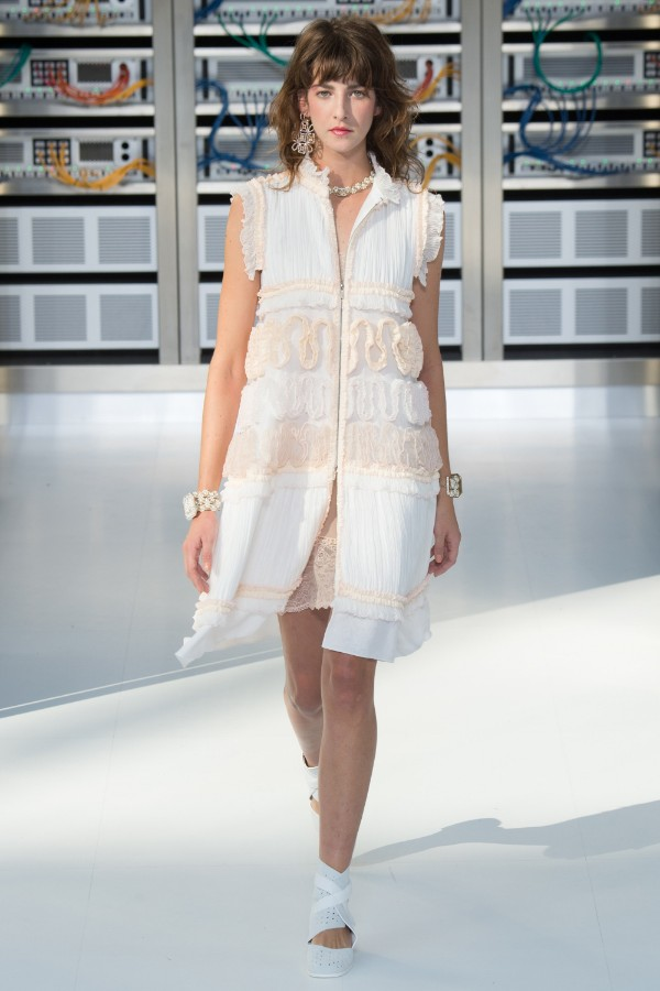 chanel-ready-to-wear-ss-2017-pfw-89