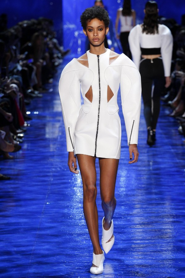 mugler-ready-to-wear-ss-2017-pfw-21