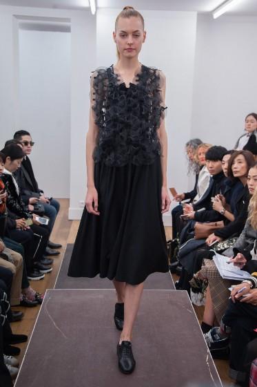 noir-kei-ninomiya-ready-to-wear-ss-2017-pfw-3