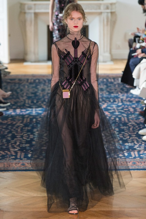 valentino-ready-to-wear-ss-2017-pfw-55