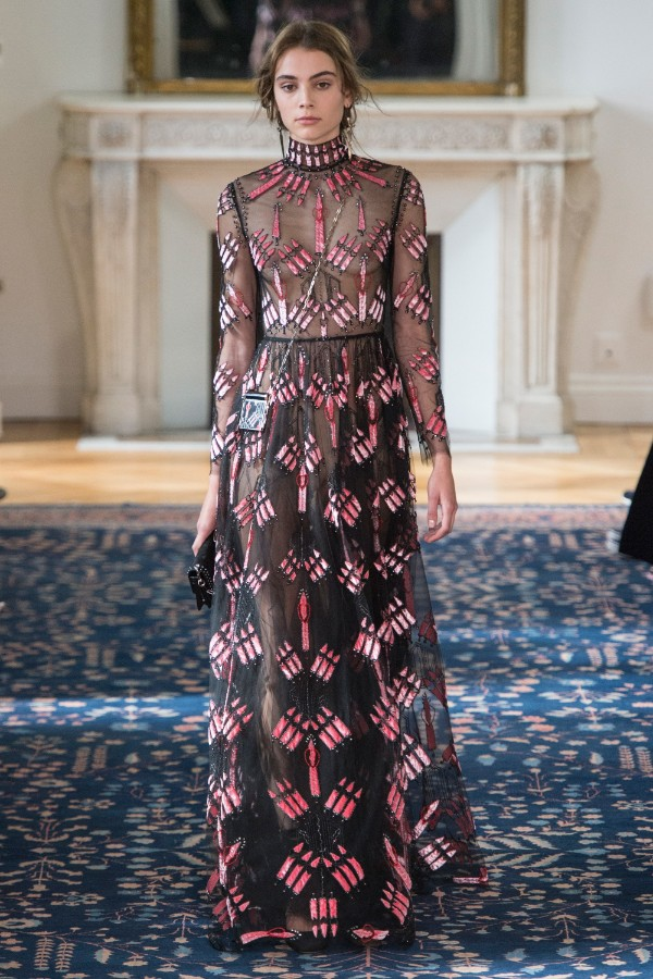 valentino-ready-to-wear-ss-2017-pfw-61