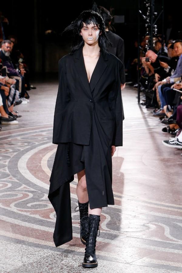 yohji-yamamoto-ready-to-wear-ss-2017-pfw-19