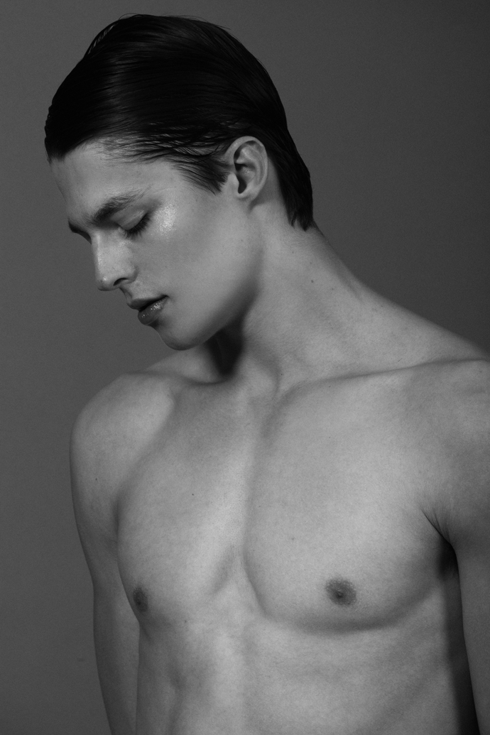 brodie-scott-by-frederic-monceau13