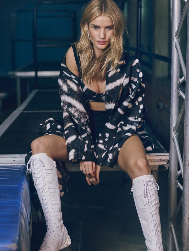 rosie-huntington-whiteley-by-jem-mitchell-graveravens5