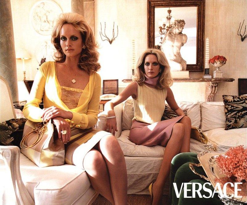 versace-fall-2000-by-steven-meisel-2