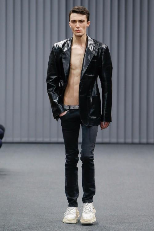 Balenciaga Menswear FW 2017 Paris10