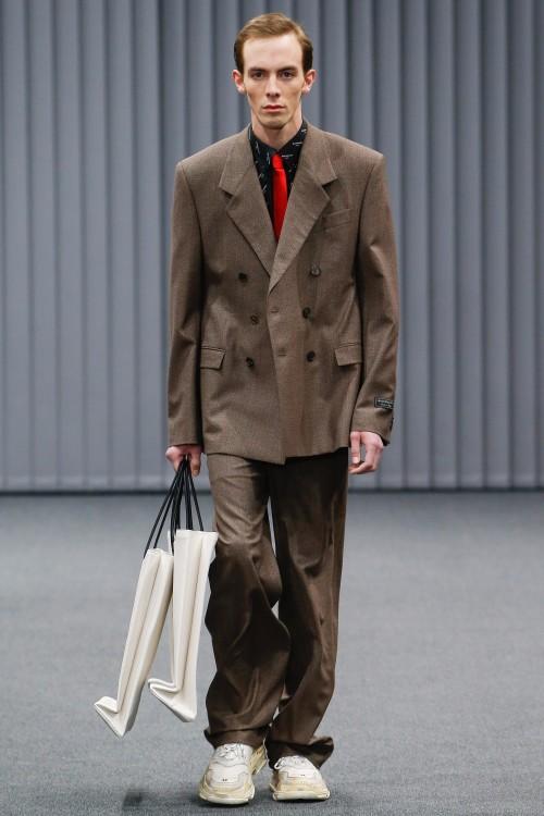 Balenciaga Menswear FW 2017 Paris28