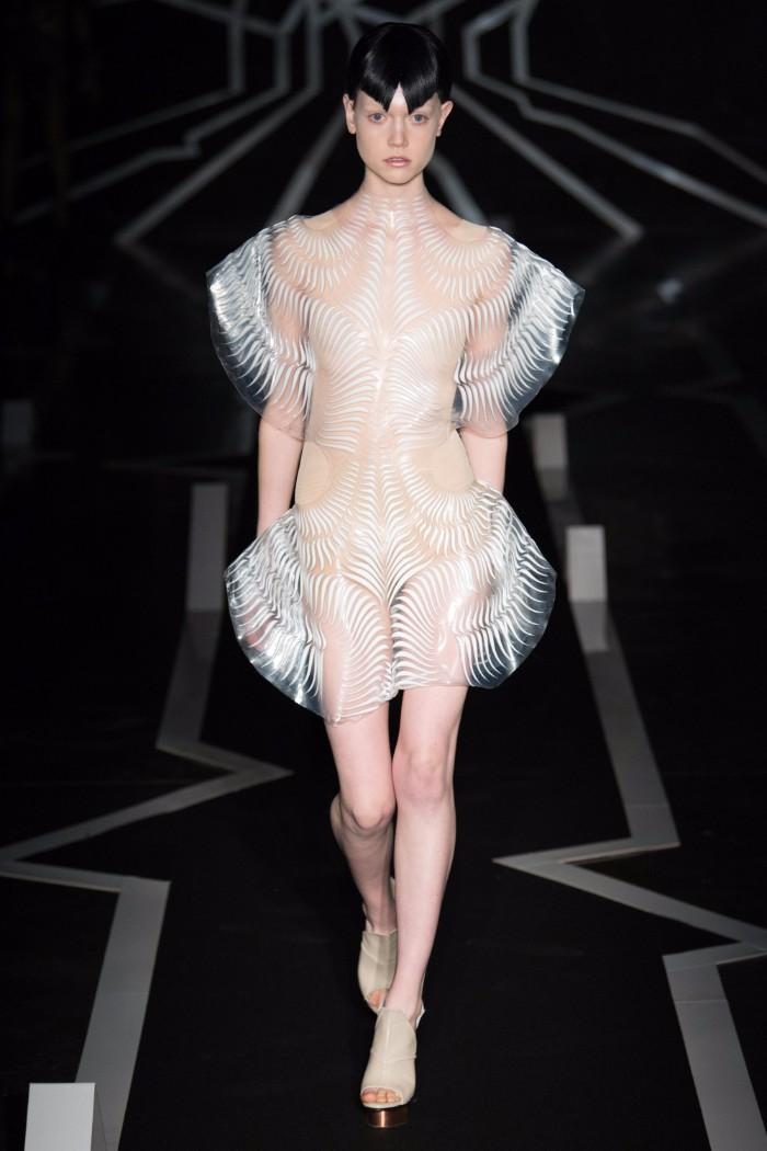 Iris van Herpen Haute Couture SS 2017 Paris2