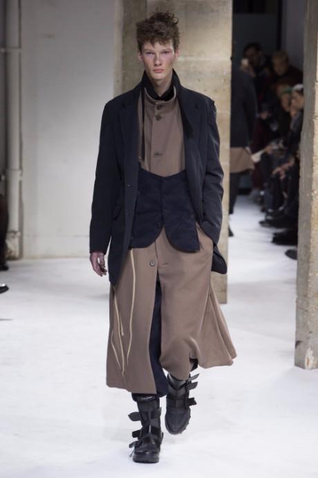 Yohji Yamamoto Menswear FW 2017 Paris2