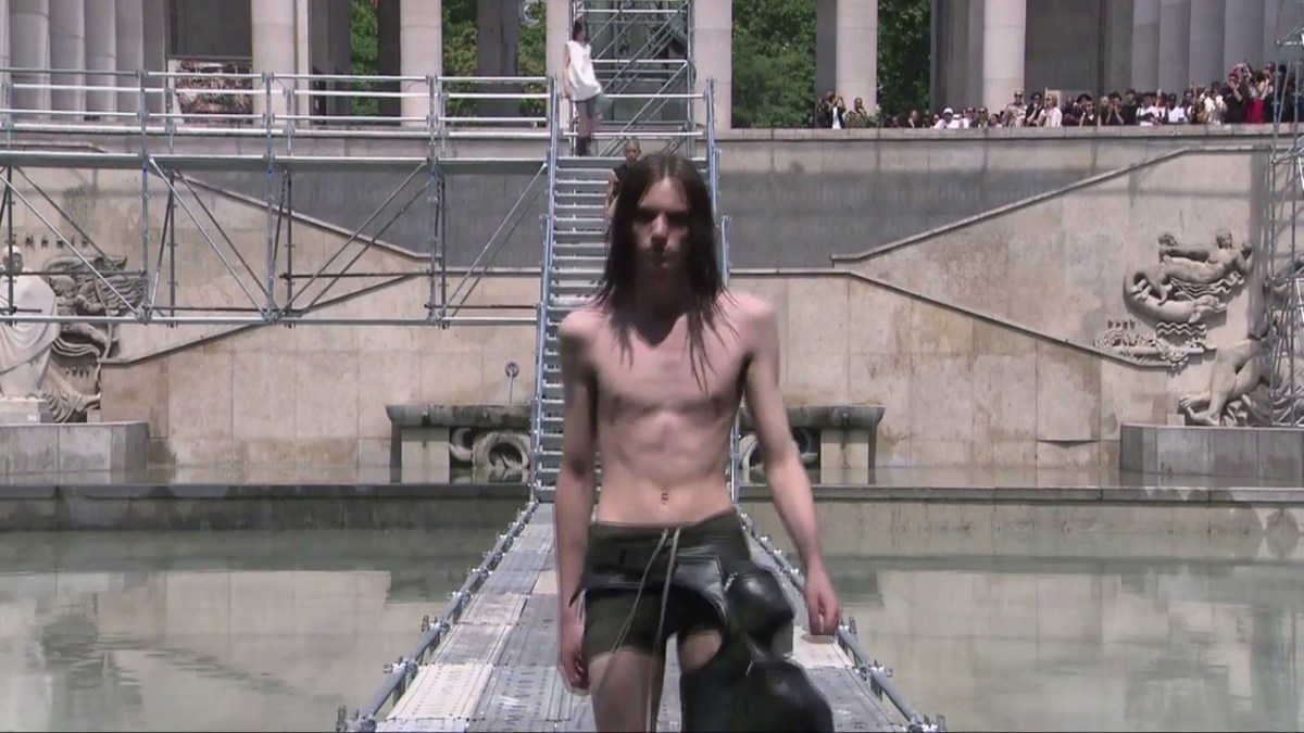 Rick Owens Menswear S/S 2018 Paris | FULL RUNWAY SHOW (Video)