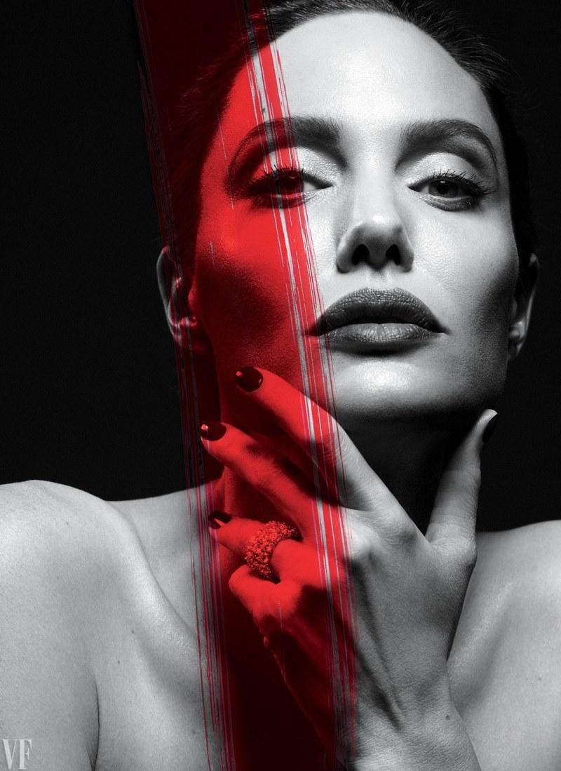 Angelina Jolie By Mert Alas Amp Marcus Piggott Graveravens