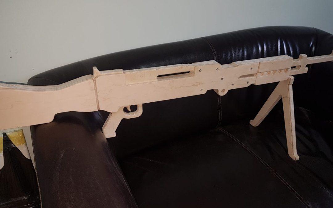 Виготовлення макетів зброї з фанери