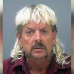 Court orders shorter sentence for 'Tiger King' Joe Exotic 💥👩💥