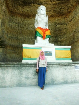 me in front of Dewi Kunti Statue, taken a year ago