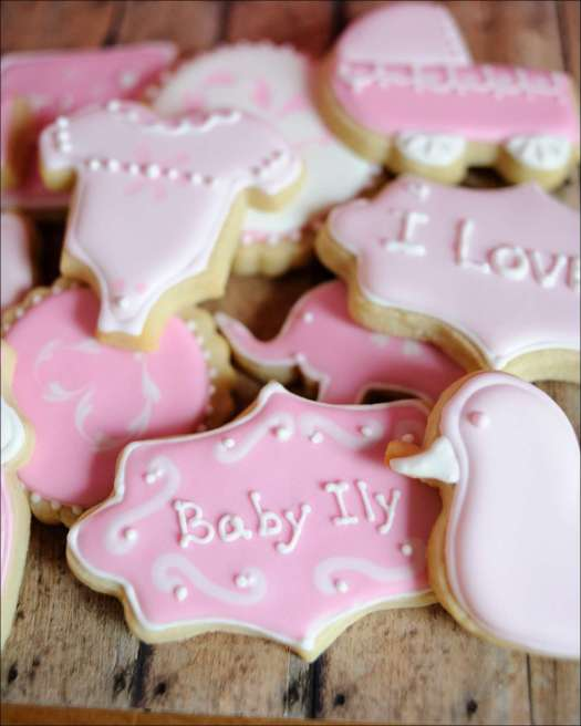 pink-baby-shower-cookies-8