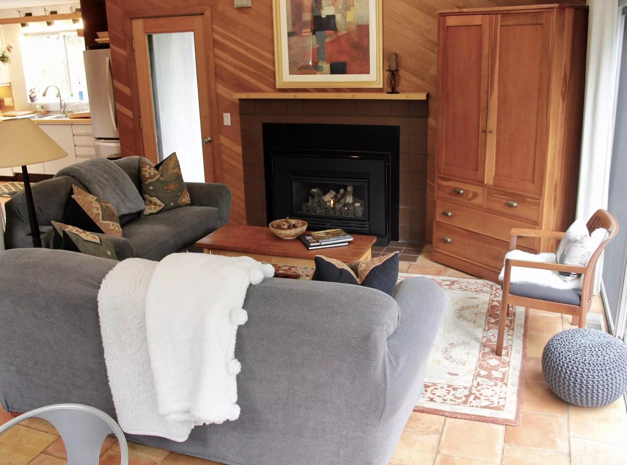 Falcon fireplace