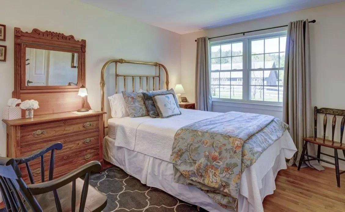 Queen bedroom on Dana Road
