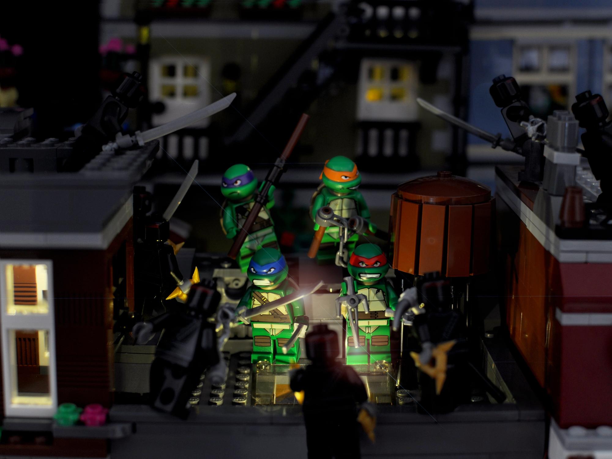 Cowabunga! Teenage Mutant Ninja Turtles in Lego