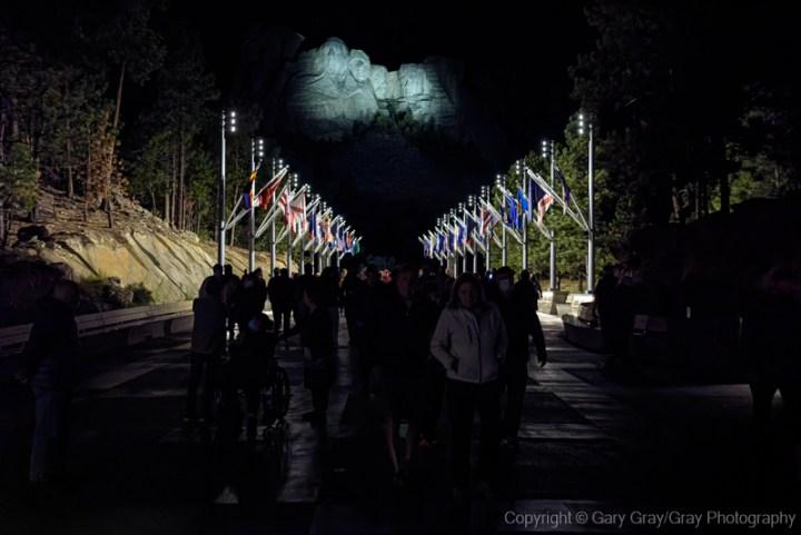 Night view of Mount Rushmore