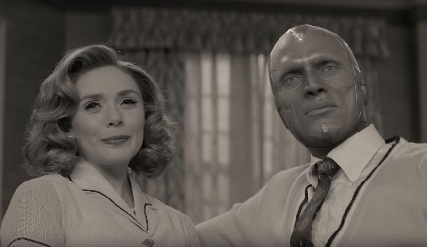 Wanda y Vision como protagonistas de una sit-com de los años 30.   Marvel Studios