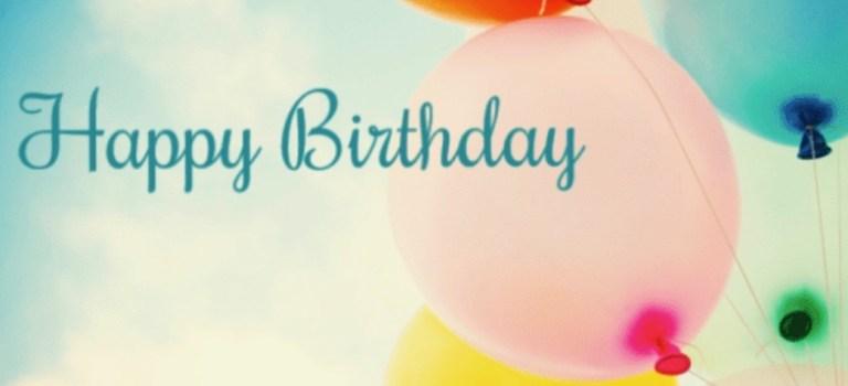 Happy 4th Blog Birthday // Großes Geburtstags-Gewinnspiel 🎉 & ein saftiger Kirsch-Streusel-Kuchen