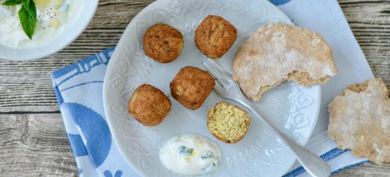 Selbst gemacht: Falafel mit Pfannenbrot & Joghurt-Minz-Dip