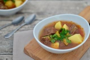 Kochen im Schnellkochtopf: Rinderschmortopf