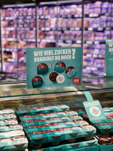 REWE deine Wahl: Wie ihr den Zuckergehalt des zukünftigen Schokoladenpuddings mitbestimmen könnt!