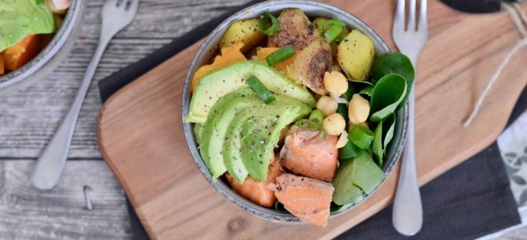 Happy Food: lauwarme Salat-Bowl mit Stremellachs