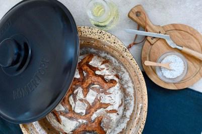 Knuspriges Bauernbrot aus dem Dutch Oven