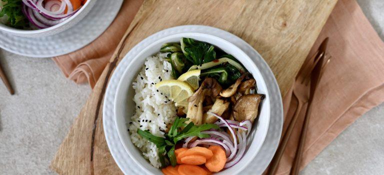 Vegetarisch Kochen: Bunte Buddha-Bowl mit Austernpilzen