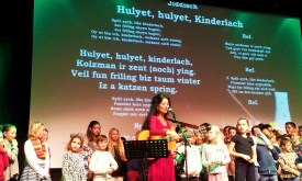 Timna Brauer with a kid's song