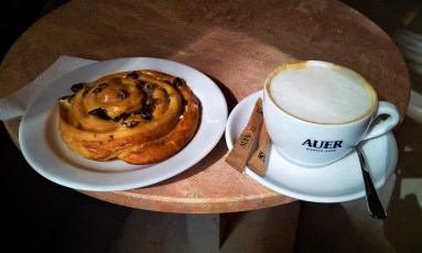 My yummy Rosinenschnecke with Café Melange...a great combination