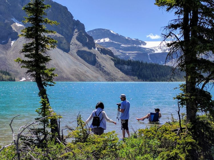 Bringing a folding chair to the Bow Lake seems like not a bad idea ;)
