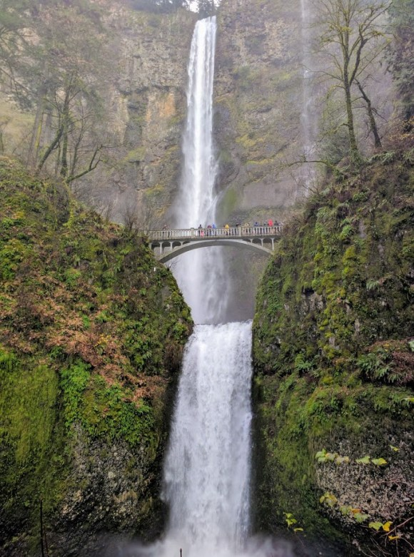 Multnomah Falls, the second tallest year-round waterfall in the US. Oregon
