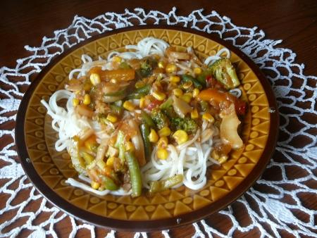 chinski makaron z warzywami